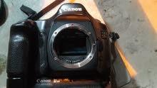 كاميرا كانون 5Dمستعمله بدون عدسه مع شاحنه وبطاريات اثنان للاتصال على هذا الرقم 07801028600
