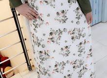 القياس المتوفر في هذا الفستان  40 /48/42/46 السعر 25 تتوفر خدمه التوصيل لجميع ال