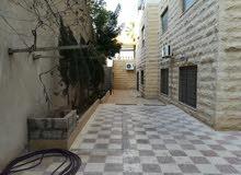 شقة شبه ارضية 150 م في ارقى مناطق الجبيهة حي المنصور