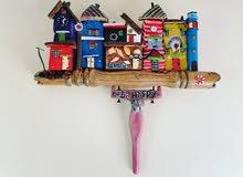 تدوير الخشب إلى تحف فنية يدوية للبيع