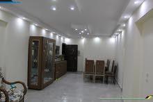 شقه بحرى 150 متر 3 غرف 1 حمام الدور الاول في حدائق الاهرام في البوابة التانيه منطقة هه