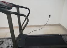 آلة مشي نظيفة جدا