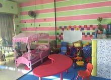 حضانه ومكان ترفيهي للأطفال يعمل بشكل جيد جدا بموقع قريب على الخدمات شارع الحريه