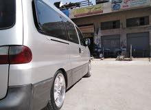 باص ستاركس لتوصيل داخل وخارج عمان