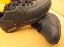 حذاء شبابي بسعر تصفية