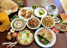مطلوب معلم بسطه (مصري الجنسيه)  حمص وفلافل في مطعم بوادي السير