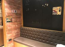مطعم مشطب بالكامل بمكان حيوي جدا للبيع مع الرخصة – شارع جامعه عجمان - 55000 الف نهائي