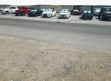 للبيع معرض سيارات ذو اسم تجاري معروف وموقع متميز جدا علي الشارع العام وبسعر مغري