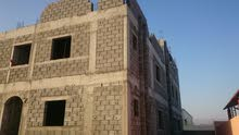 مبنى سكني قيد للإيجار بقرية المعيمير