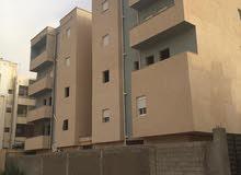 بعد التخفيض في السعر  شقة فى القوارشه خلف عمارات الملونه  الطابق الاول علوي مخدومه بها 70%