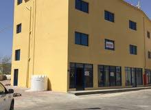 للبيع مبنى في منطقة الرسيل الصناعية مع السجل التجاري