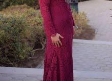 فستان سوارية اتلبس مره واحده فقط.