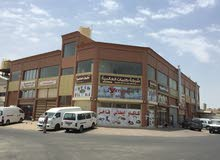 محل للايجار بالشارع تمور و جمله ( مواد غذائيه )