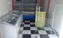 بضاعة محل جزاز كاملة للبيع 25000 دينار كاش 20000 دينار شيك