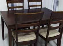 طاولة خشبيه من هوم سنتر