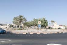 للبيع بيت في مدينة حمد على 3 شوارع