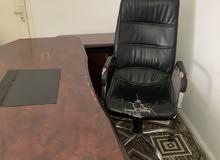 مكتب كامل مع الملحق للبيع بسعر 80 دينار