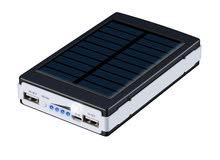 شاحن خلوي على الطاقه الشمسيه مع اضاءه قويه تعمل يومين متواصلين 20000 ملي امبير قوي جدا