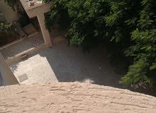 عمارة تلاتة طوابق داخل المخطط  على ارض 1200 بجوار الساحة الشعبية جنزور المعاقين