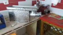 2 ماكينات فرم لحم لأي استفسار الاتصال بصاحب الماكينات 0925707295