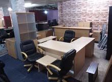 مكاتب شبه جديد للبيع بسعر مغري جدا