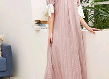 فستان ماكسي بطباعة زهور بأكمام قصيرة