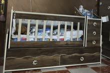 سرير اطفال نظيف جدا مستعمل اشهر