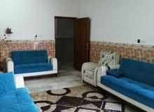 بيت للايجار مؤثث كامل مساحة 130 في التنومة بحي الموظفين