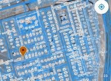 أرض سكنية شبه كونر في لزغ 7