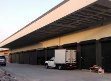 للايجار محل 3 ادوار في شويخ الصناعية مدخل سهل من كندا دراي