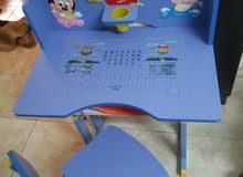 طاولة دراسه للاطفال بحاله جيده