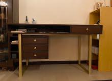 Custom Desk - طاولة مكتب خاص