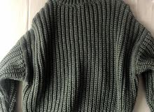 H and M green jumper