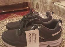 حذاء رياضي رجالي جديد