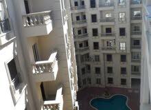 شقة غرفة وصاله علي حمام السباحة بجوار كارفور سيتي سنتر