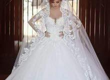 بيع فساتين زفاف