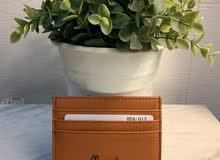 محفظة هارودز كمية محدوده والشحن مجاني .