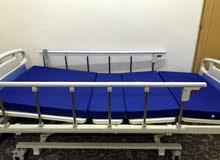 سرير طبي اربع حركات