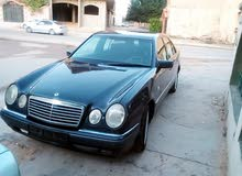 Automatic Blue Mercedes Benz 2000 for sale