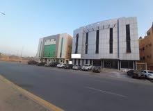 للبيع عماره م 696 م2 .8 شقق .اليرموك الغربي .شرق الرياض