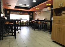 مطعم مع صالة ومشغل بكامل معداته للبيع في شارع المدينة المنورة