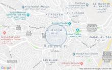 محل للبيع عباره عن بيت درج في منطقه صويلح وسط السوق قرب البنك الإسلامي