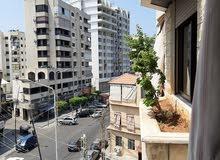 شقة للبيع وسط صيدا ساحة القدس فوق مطعم الامير احمد بناية دندشلي