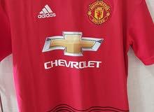 نادي مانشستر يونايتد الأصلية من (Adidas) size Mمستخدم فقط اسبوع