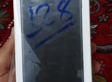 ايفون 7بلاص اخو الجديد استخدام قليل جدا لون اسود طافي ذاكره 128 كامل ملحقاته بيع