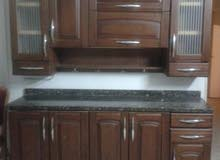 مطبخ خشب قطعتين مع الرخامة للبيع