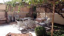 للبيع شقة ارضية مع حديقة خلدا