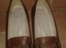 للذوق الرفيع . حذاء حريمى جلد طبيعى 100 %