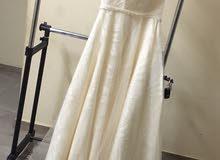 للبيع فستان للمناسبات