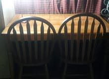 ميز طعام مع 4 كراسي نظيف خشب البلوط كما موضح بالصور